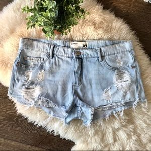 2/$30 Garage light wash flirty festival jean short